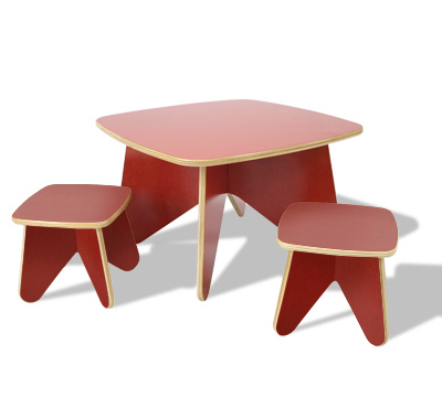 Project table and stools by ecotots